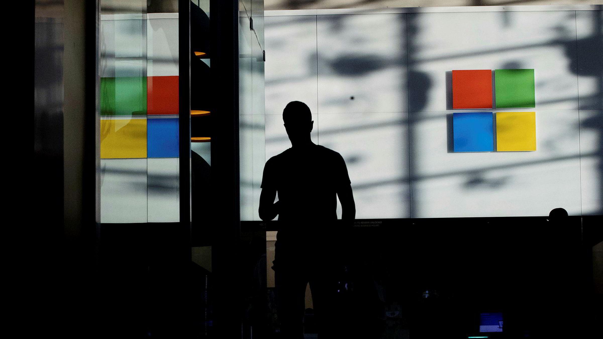 Programvaregiganten Microsoft verdsettes til ti ganger bokført verdi, og 20 ganger synlig bokført verdi.