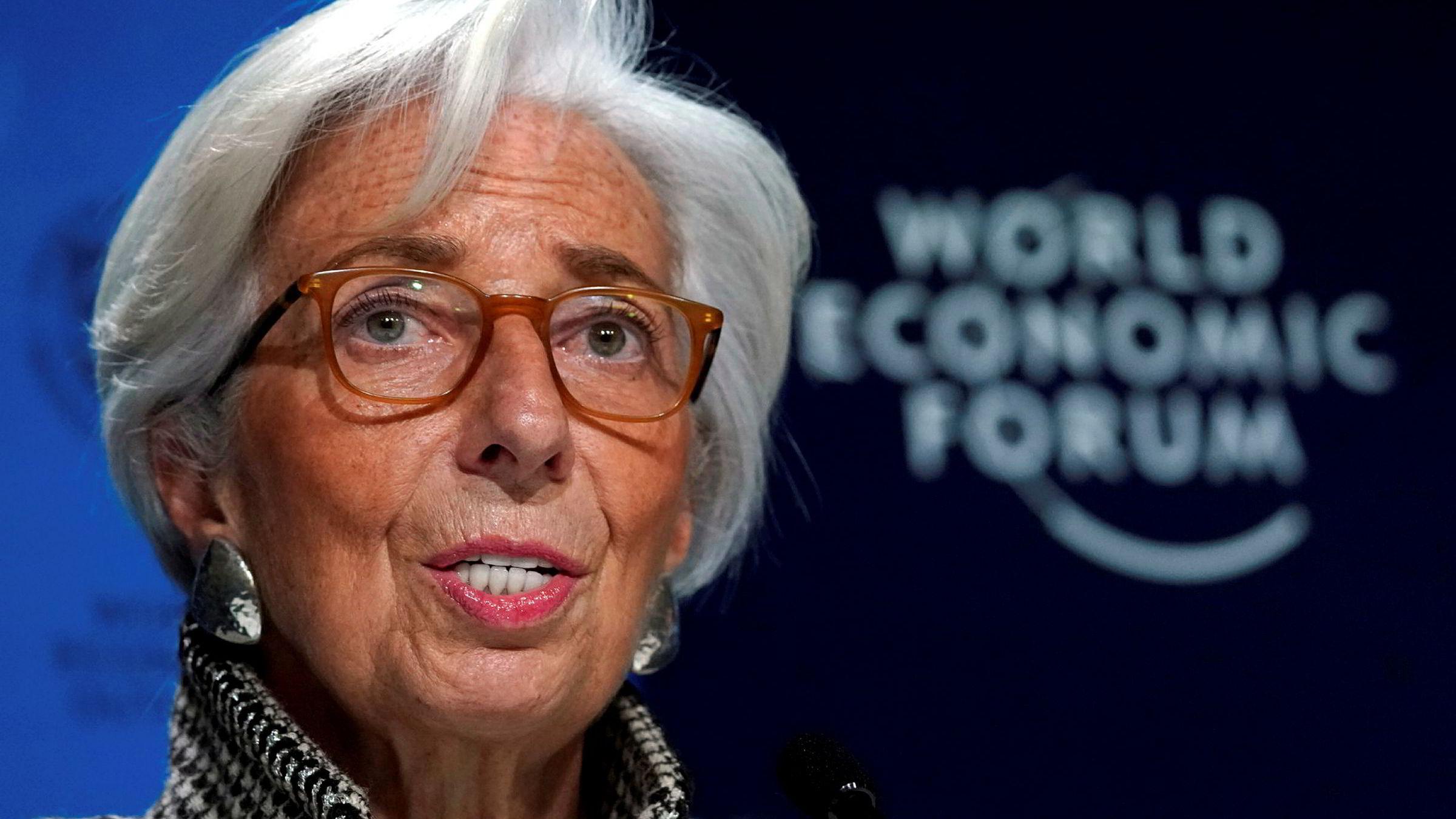 IMF-sjef Christine Lagarde holdt pressekonferanse under World Economic Forum i Davos i Sveits mandag kveld.