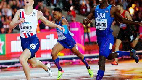Karsten Warholm løper inn til seier på 400 meter hekk onsdag kveld.