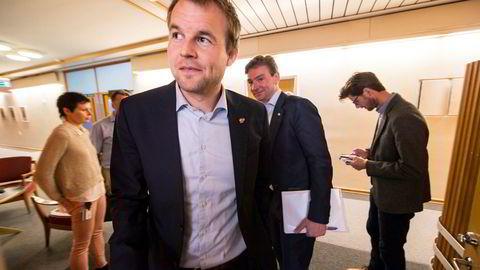 Finanspolitisk talsmann Kjell Ingolf Ropstad og Kristelig Folkeparti har fått resten av opposisjonen med seg på å utrede fjerning av momsfritaket for forsendelser fra utlandet som koster mindre enn 350 kroner. Foto: Vidar Ruud / NTB scanpix