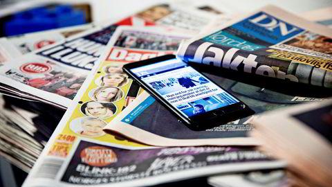 Handlingsrommet for dyptpløyende, nyskapende journalistikk utenfor de flimrende nyhetsstrømmene svekkes av sponsorforbudet. Nyhetsbildet ensrettes, skriver Halvard Helle i innlegget. Illustrasjonsfoto.
