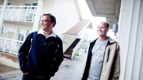 Brødrene Kristian (venstre) og Roger Adolfsen har tjent mye penger på hoteller, barnehager, helsetjenester og asylmottak. Om sommeren styrer de konsernet fra Grebbestad i Sverige, hvor de eier Tanumstrand Resort.