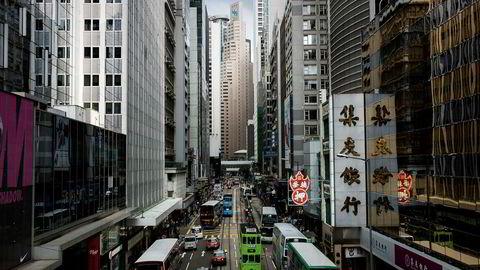 I mars stupte aksjekursen på China Huishan Dairy Holdings, Kinas største meieriselskap, med over 90 prosent ved Hong Kong-børsen i løpet av 70 minutter.