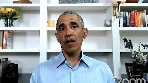 Tidligere president Barack Obama talte onsdag til unge amerikanere om den dramatiske situasjonen USA står i etter drapet på George Floyd.