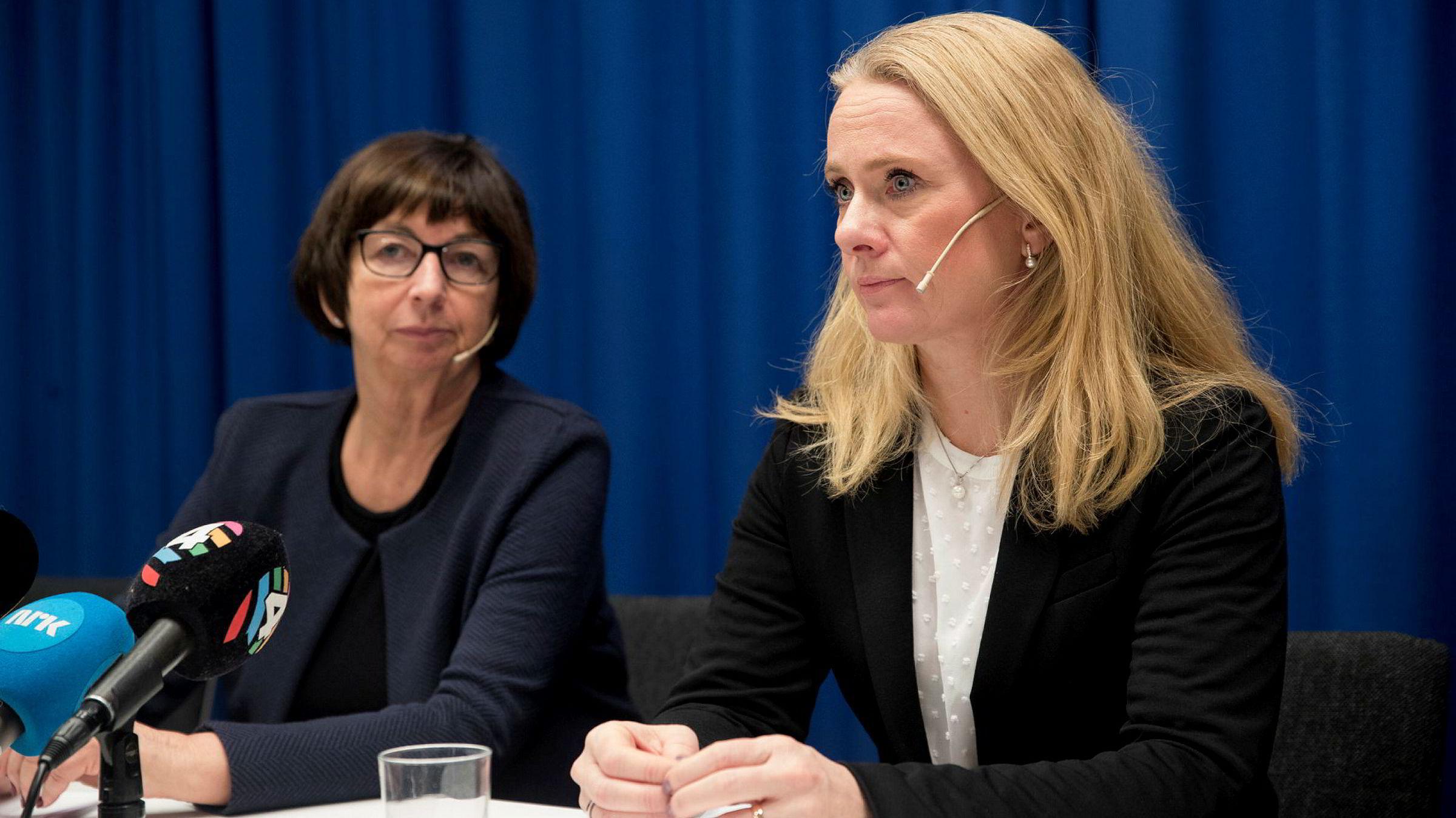 Nav-skandalen var et faktum oktober 2019. Her er Nav-sjef Sigrun Vågeng og arbeidsminister Anniken Hauglie fra pressekonferansen.