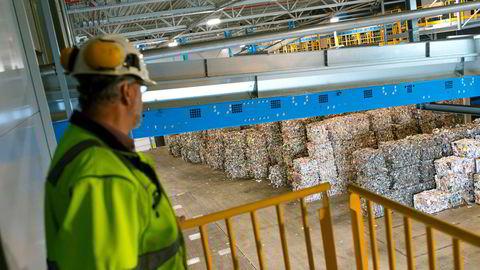 På ettersorteringsanlegget Ivar på Forus litt utenfor Stavanger omgjøres plastavfall til materiale som kan brukes til å produsere nye produkter.