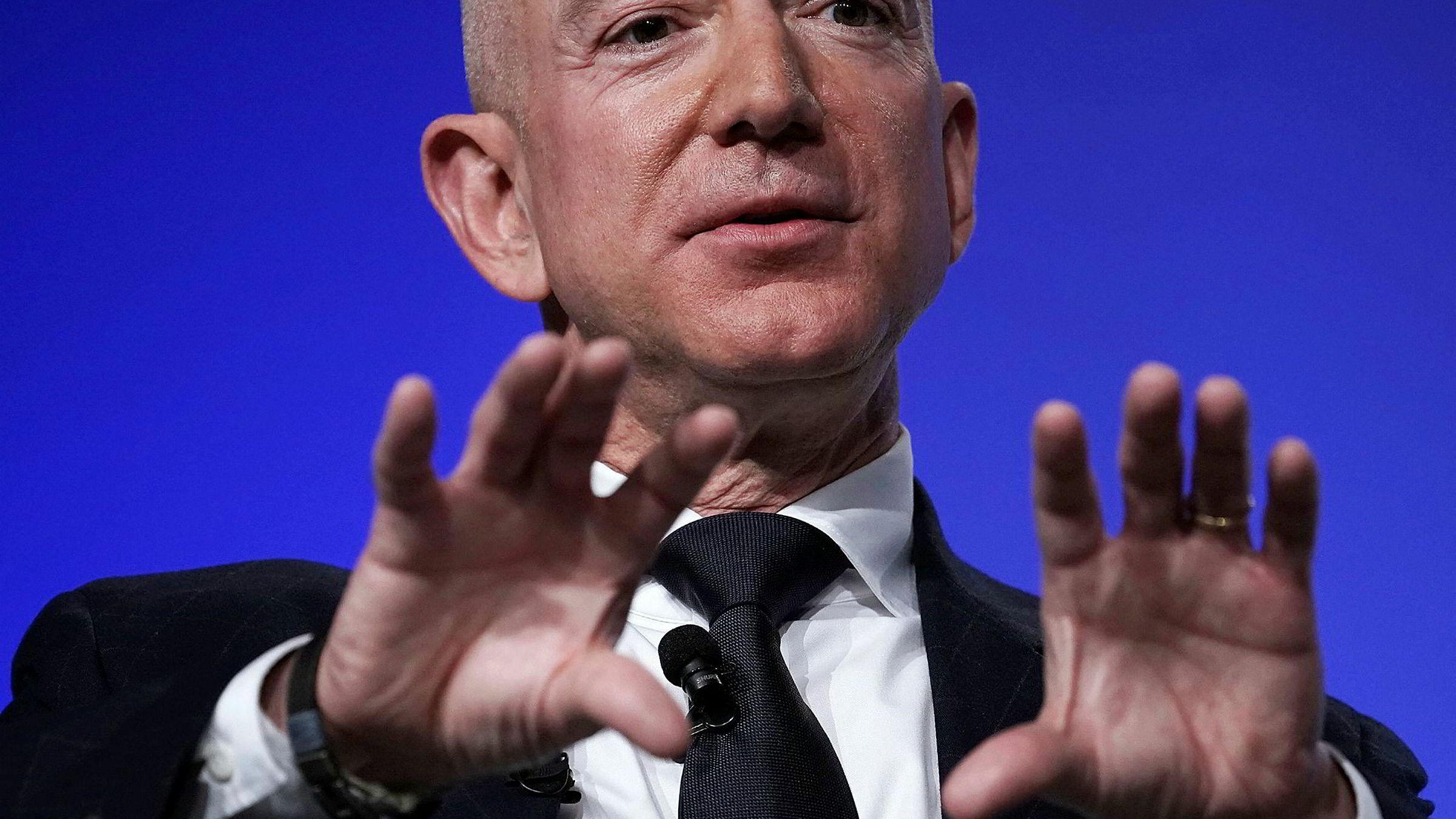 Intime bilder av Amazon-sjef Jeff Bezos kom på avveie i fjor.