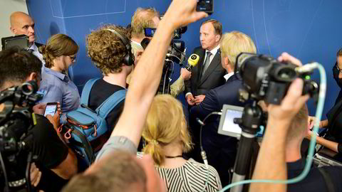 Statsminister Stefan Löfven har kalt inn til pressekonferanse torsdag klokken 10. Bildet er fra en tidligere pressekonferanse i forbindelse med at sensitive opplysninger er på avveie fra det svenske transporttilsynet.