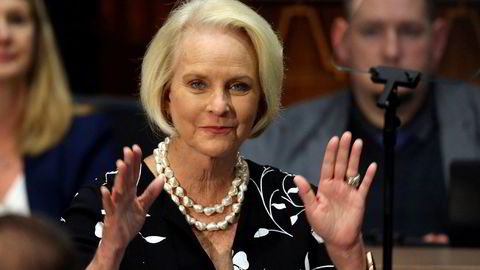 Enken til den avdøde republikanske senatoren John McCain, Cindy McCain, støtter Demokratenes Joe Biden i kampen om å bli USAs neste president.