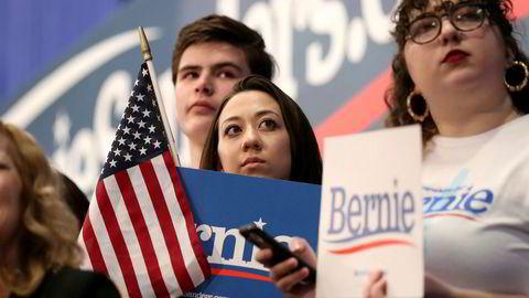 Bernie Sanders ligger an til å vinne Demokratenes primærvalg i New Hampshire foran Pete Buttigieg og Amy Klobuchar, melder flere amerikanske medier.