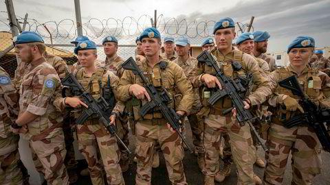 Norske FN-soldater på post i Bamako, Mali. Norge bør være sterk stemme for fredsbevarende operasjoner i kampen om et sete i FNs sikkerhetsråd, mener artikkelforfatterne.