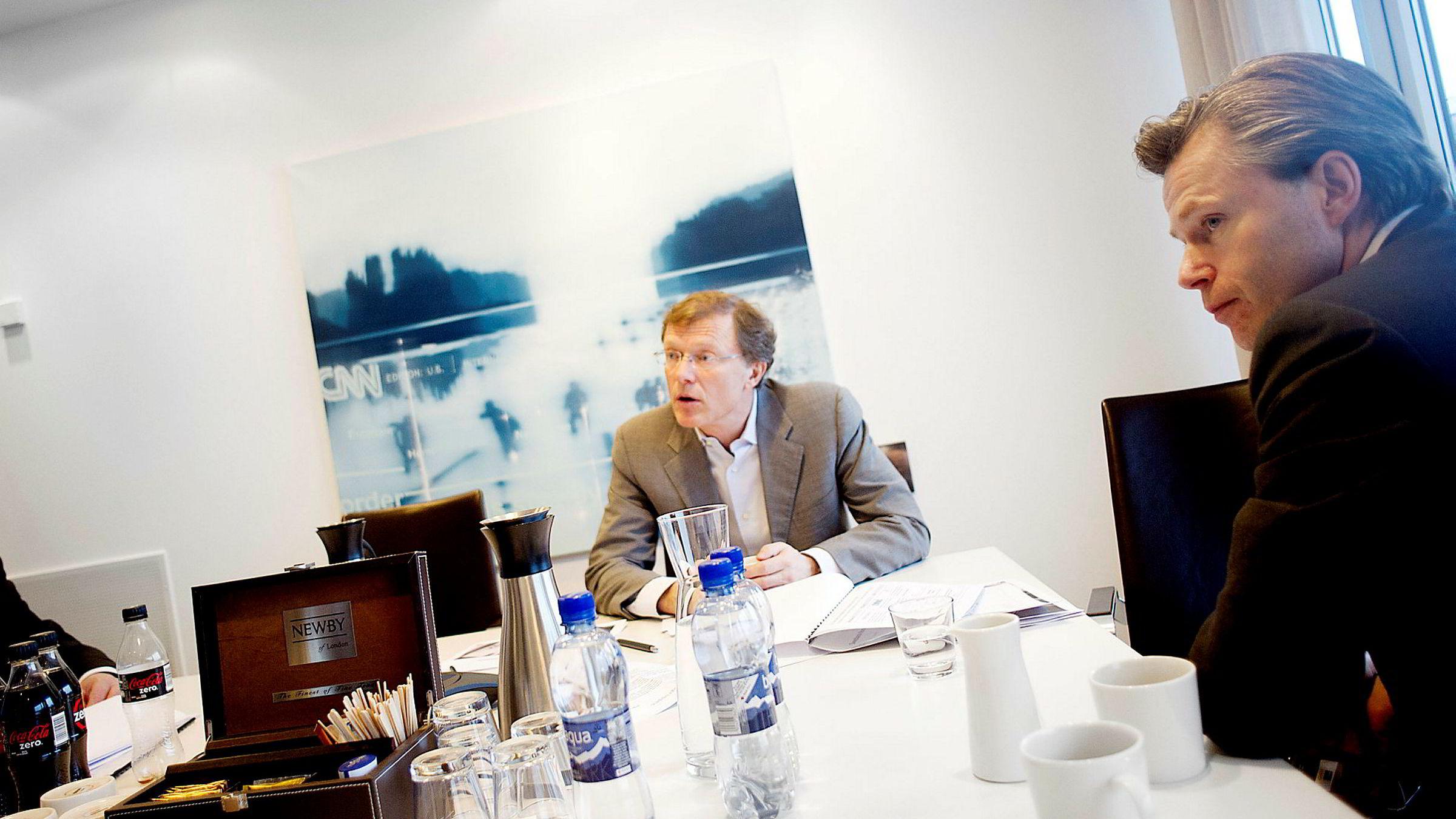 Aksjestrateg Peter Hermanrud i Swedbank tror på oppsving for sykliske aksjer som riggaksjer i 2017. Corporate-sjef Ove Gusevik (til høyre) venter også oppsving i rentenivået.