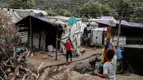 Morialeiren på Lesbos: Hellas har blitt sittende med Svarteper når Europa mangler politisk vilje og evne til å håndtere 20.000 asylsøkere strandet på en gresk øy, skriver artikkelforfatterne.