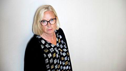 Parlamentarisk leder Marit Arnstad i Sp mener staten skal bøtelegges dersom brannvesenet kommer før politi til et åsted.