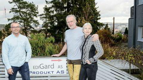 Rune Heimstad (til venstre), Jørn Heimstad og Wenche Waal inngikk avtale om ett års etterlønn da de solgte Edigard til giganten Nets i februar i fjor, men nå har Nets stanset utbetalingene.