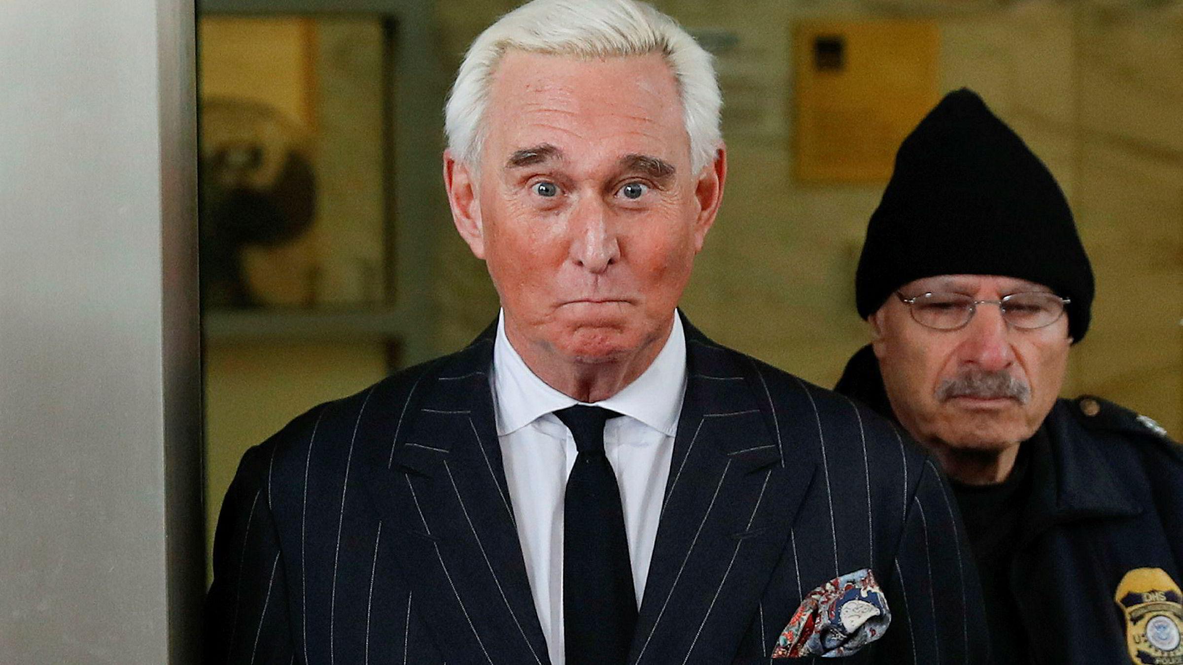 Alle fire medlemmene av aktoratet i saken mot Trump-rådgiver Roger Stone har trukket seg fordi USAs justisdepartement vil gripe inn og anbefale lavere straff.