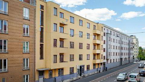 Etter å ha forsøkt å selge Marcus Thranes gate 13 for 150 millioner kroner siden juni, gir investor Runar Vatne opp. Nå vil han selge de over 60 leilighetene enkeltvis i stedet.