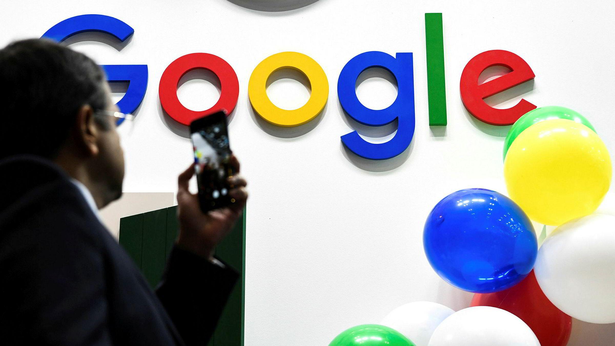 Google er i samtaler med noen av Frankrikes største aviser om å betale dem for nyhetsinnhold.
