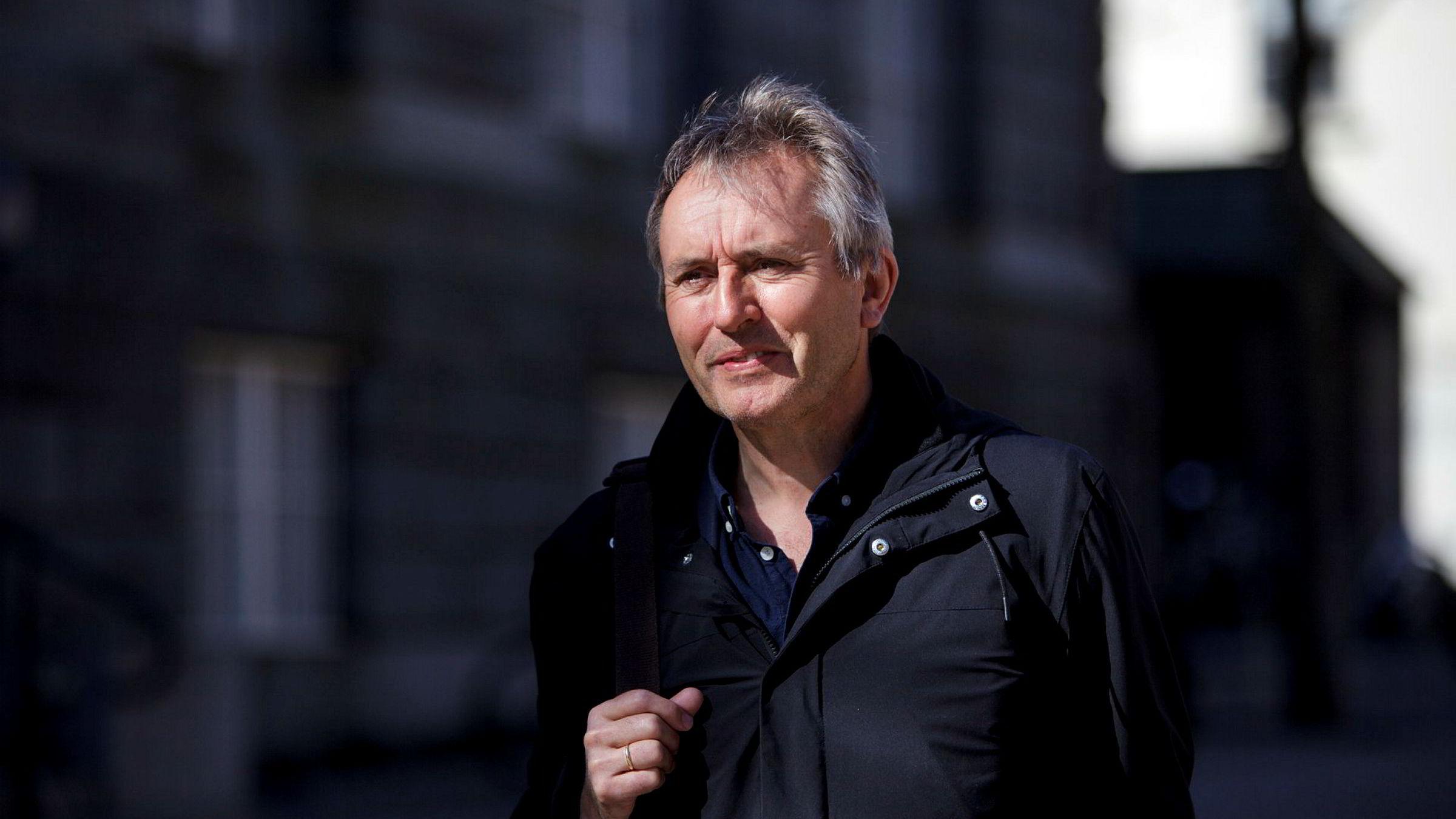 Helge Simonnes er tidligere konsernsjef i Mentor Medier og sjefredaktør i Vårt Land.