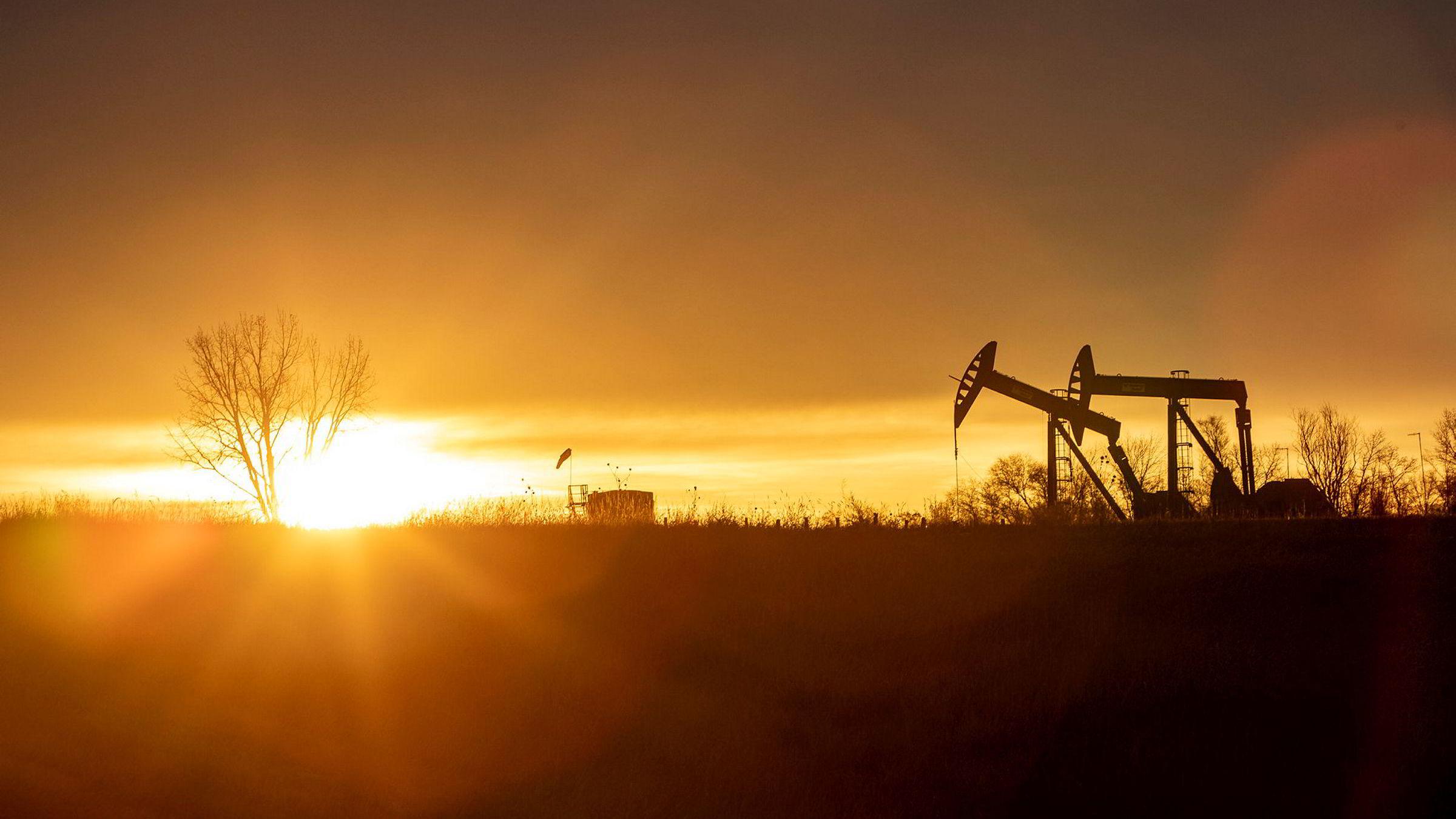 Den landbaserte oljevirksomheten i USA har skapt juridisk hodebry for Equinor. På bildet oljepumper i Nord-Dakota.