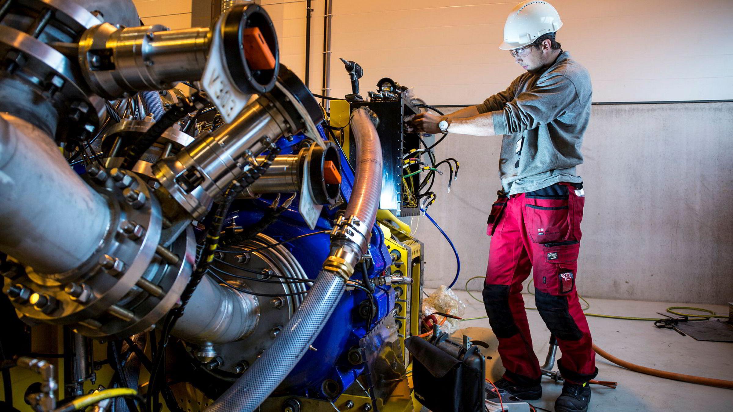 Kompetansemiljøene i oljesektoren utvikler ny teknologi – som igjen skaper nye jobber i andre næringer. Det kan være innen havbruk eller teknologi for boring etter metaller, skriver statsminister Erna Solberg.