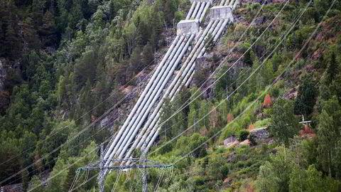 Norsk vannkraftproduksjon bør økes, men det må incentiver til for å få investorene på gli. Nore I er et kraftverk som utnytter fallet mellom Tunhovdfjorden og Uvdalselva, som utgjør nedre vannspeil (Rødbergdammen) ved tettstedet Rødberg sentrum i Nore og Uvdal kommune i Buskerud. Kraftverket er heleid av Statkraft.