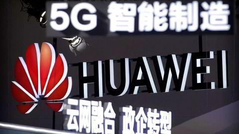 Huawei har solgt 185 millioner smarttelefoner hittil i år. Dette er en økning på 26 prosent sammenlignet med de tre første kvartalene i fjor. Omsetningen har økt til tross for økonomiske sanksjoner og utestengelse fra viktige markeder.