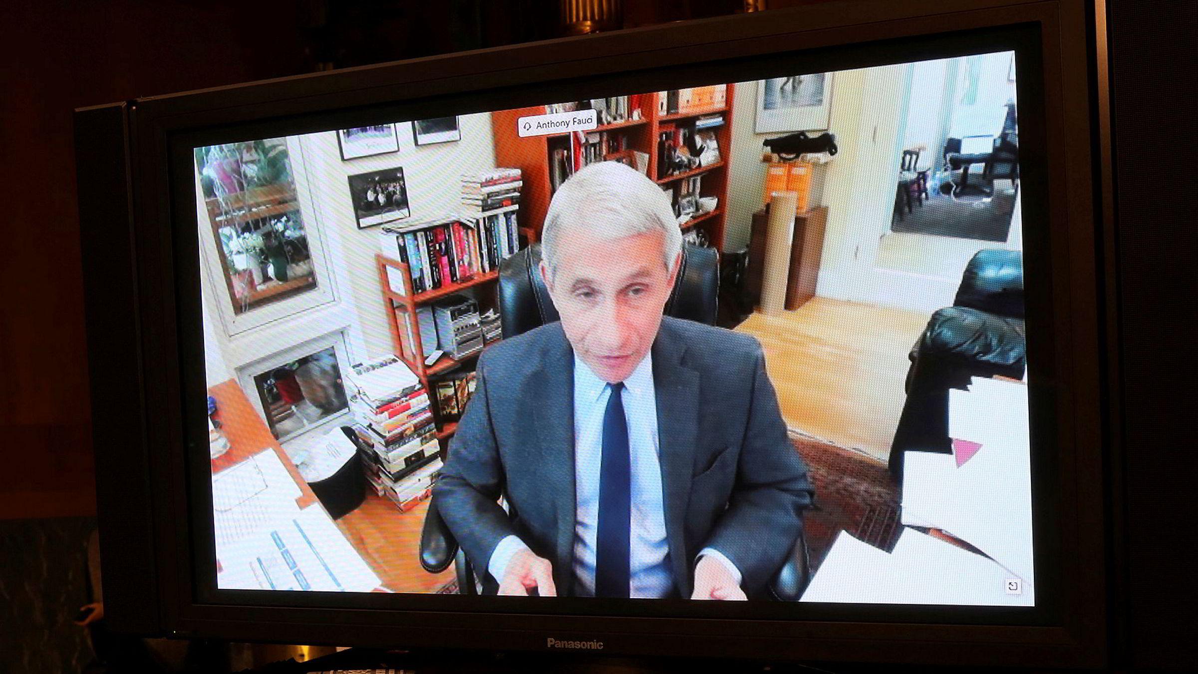 Anthony Fauci forklarte seg for Senatets helsekomité tirsdag via videolink, men skal nå ut av karantenen og tilbake i Det hvite hus, tross tidligere meldinger.