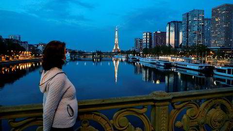 Frankrike og India har forlenget nedstengningen av landene til ut i mai måned. Verden er på vei inn i den dypeste resesjonen siden 1930-tallet, ifølge en ny rapport fra Det internasjonale pengefondet (IMF).
