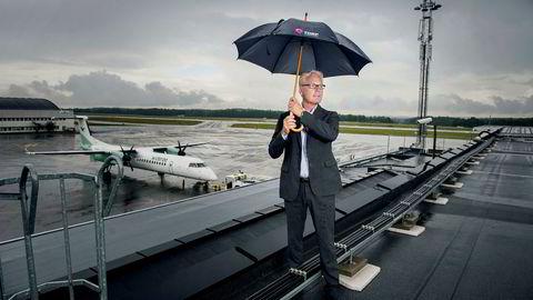 Flyplassjef Gisle Skansen (bildet) ved Sandefjord lufthavn Torp fikk kuttet kostnadene i tårntjenesten kraftig gjennom anbud. Én av taperne vil vite om Avinor har misbrukt sin stilling.
