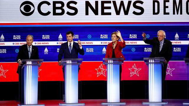 Bernie Sanders hardt angrepet under demokratenes debatt