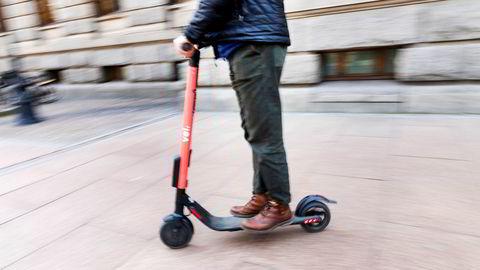 Svenske Voi er en av aktørene som har satt ut omstridte elsparkesykler i København, slik de også har gjort i Oslo.