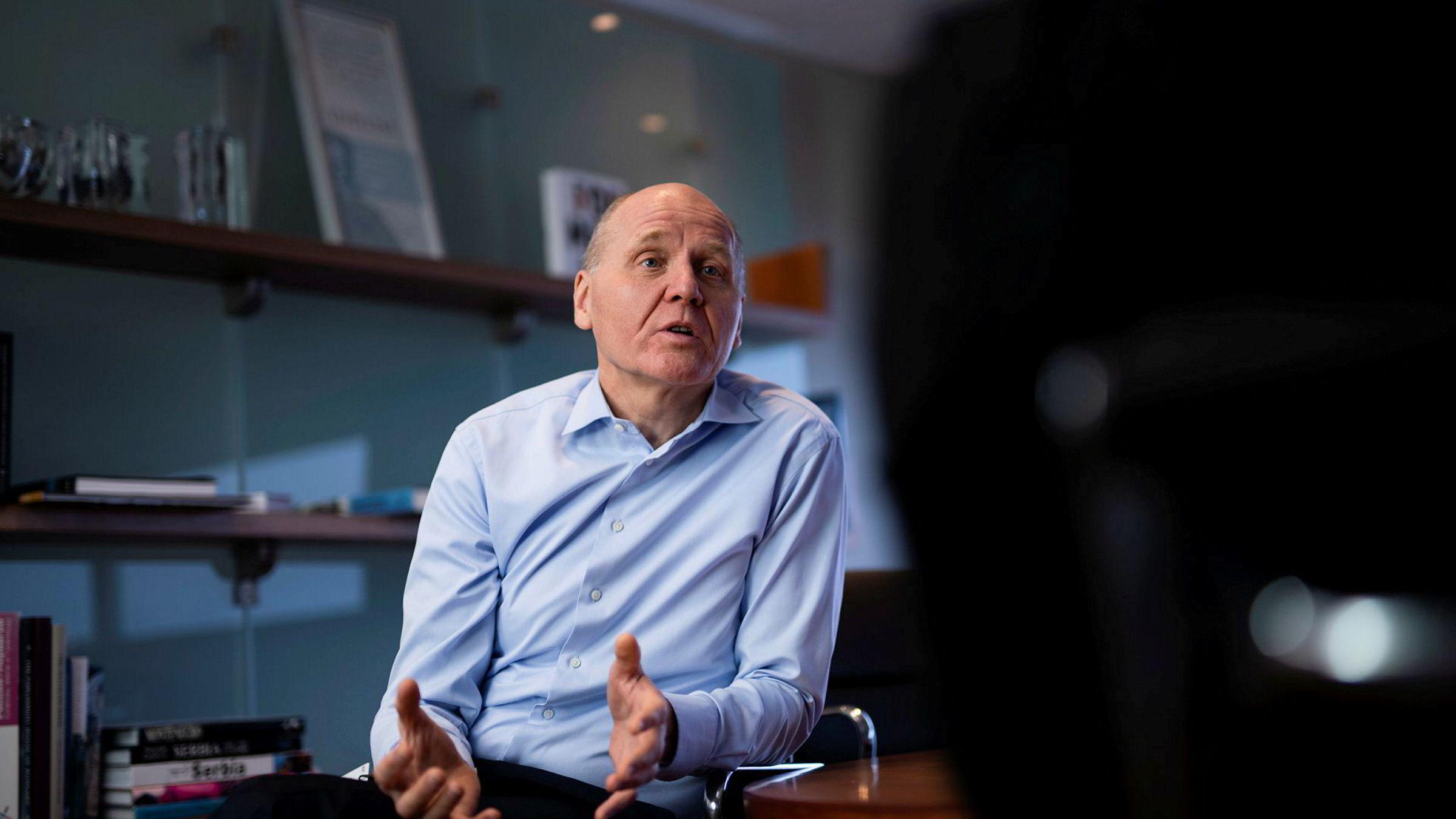 Sosiale treff og kreative prosesser der man møtes, vil fortsatt være en sentral del av arbeidshverdagen i Telenor, skriver konsernsjef Sigve Brekke i debattinnlegget.