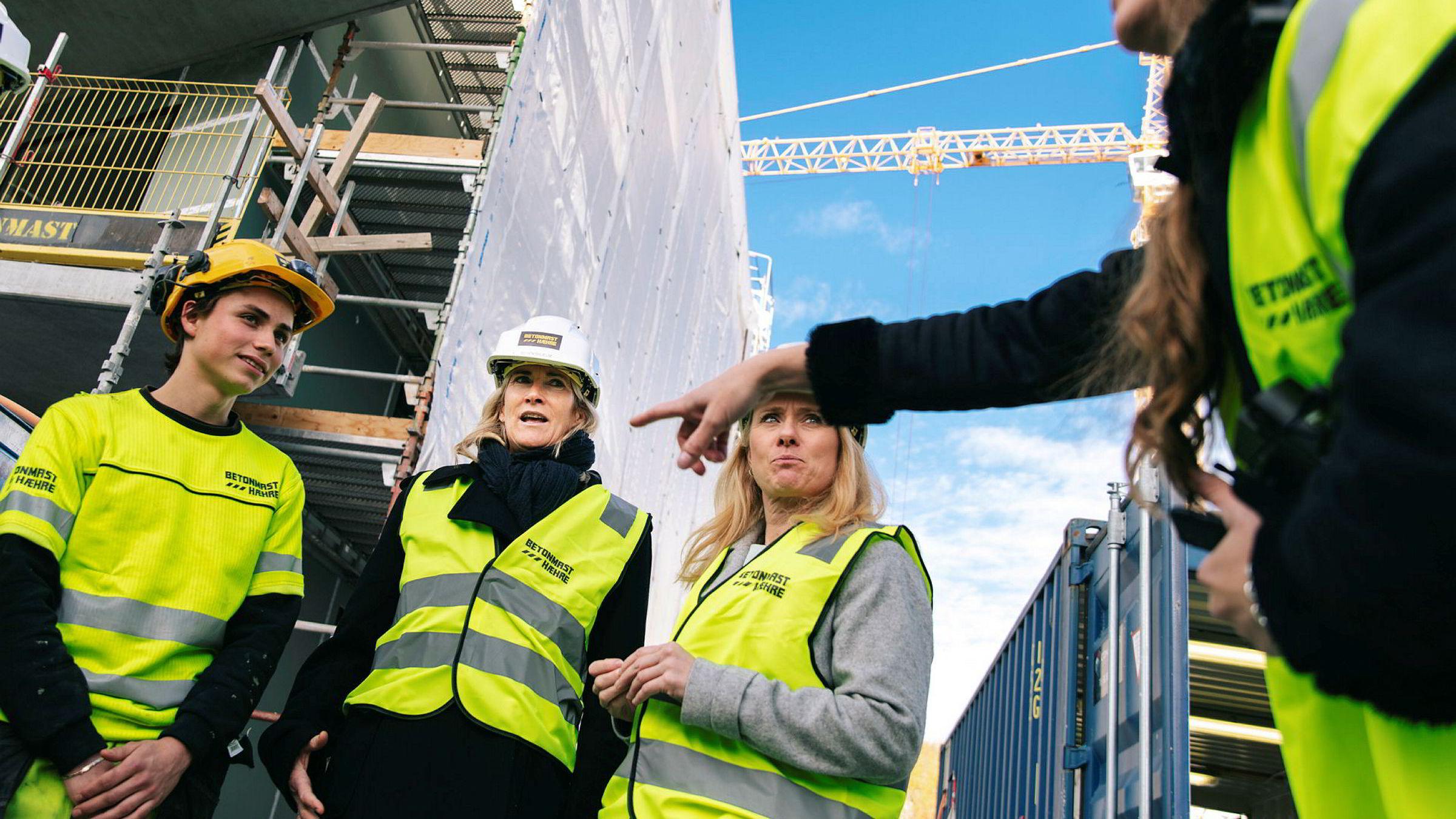 Behovet for kvalifisert arbeidskraft er stor i mange bransjer og fylker i Norge. Samtidig tar færre enn før videreutdanning.