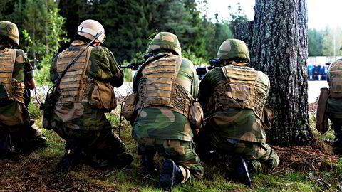 Verneplikt, førstegangstjeneste og annen rekruttering er innrettet mot tradisjonell militærtjeneste, skriver Berit Svendsen i innlegget.