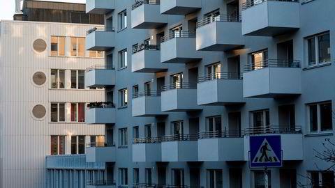 I Danmark og Sverige styres tilgangen til forbrukslån i større grad av låntagernes inntekt. I Norge står muligheten for sikkerhet i bolig sentralt.