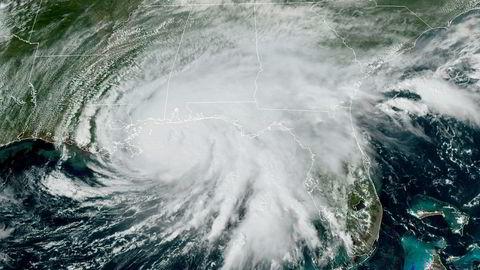 Orkanen Sally flyttet seg sakte over Mexicogulfen tirsdag. Den ventes å treffe land tidlig onsdag, lokal tid.