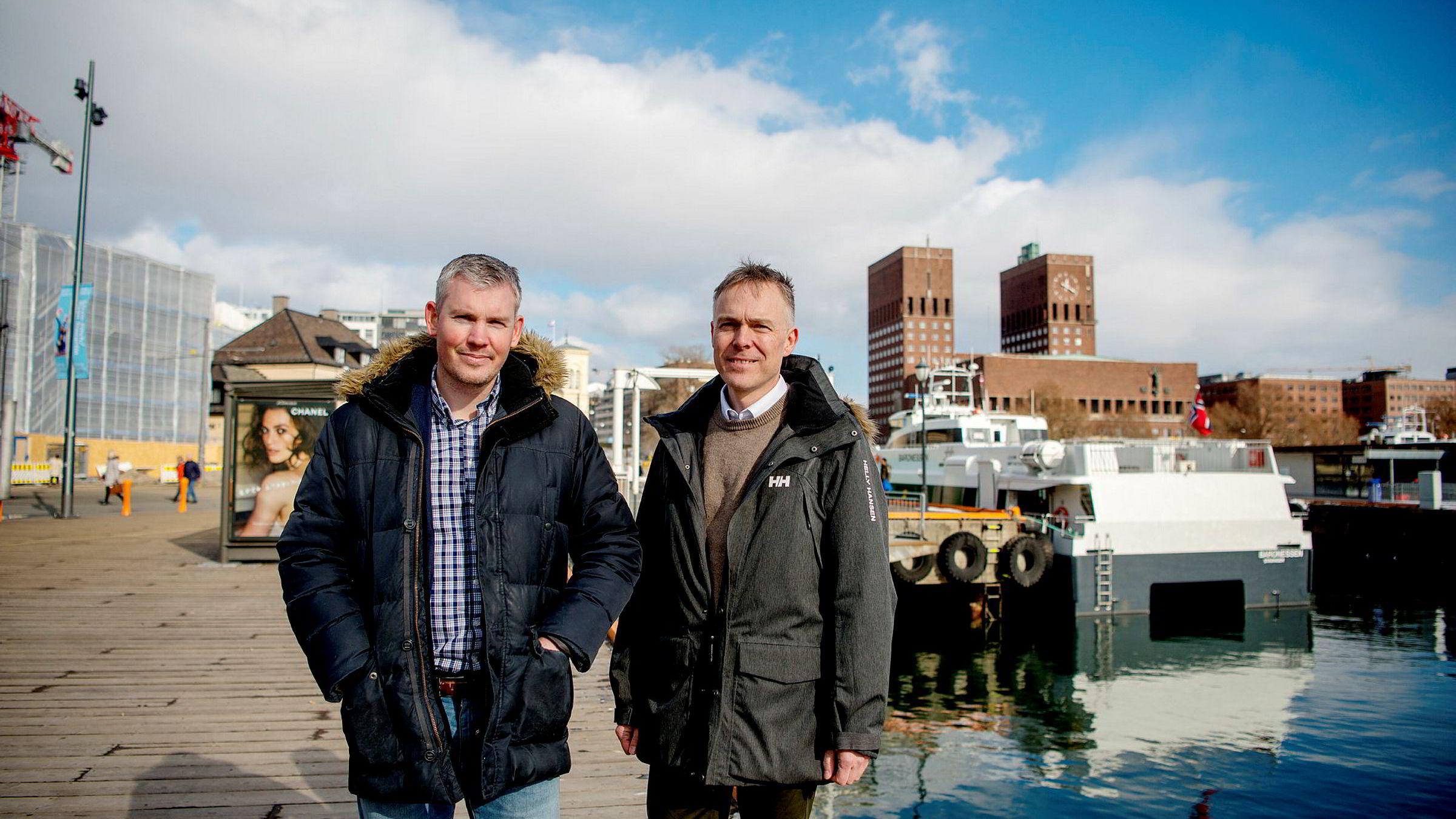 – Vi fant at det tok oss tre dager å hente inn rentetilbud fra 20 banker, sier Brynjar Ellingsen (til venstre), her sammen med sin kollega Sigurd Stendal i Fixrate, som satser på å gjøre det enkelt å ha innskudd i mange banker.