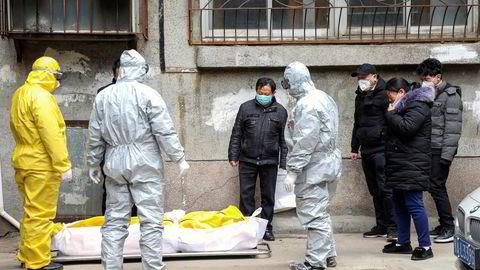 Amerikansk etterretning har utarbeidet en sikkerhetsgradert rapport til Det hvite hus hvor de konkluderer med at Kina har underrapportert totalt antall tilfeller av koronasmitte og dødsfall. Det skal ha vært langt følere kremasjoner i Wuhan enn hva offisielle tall viser.