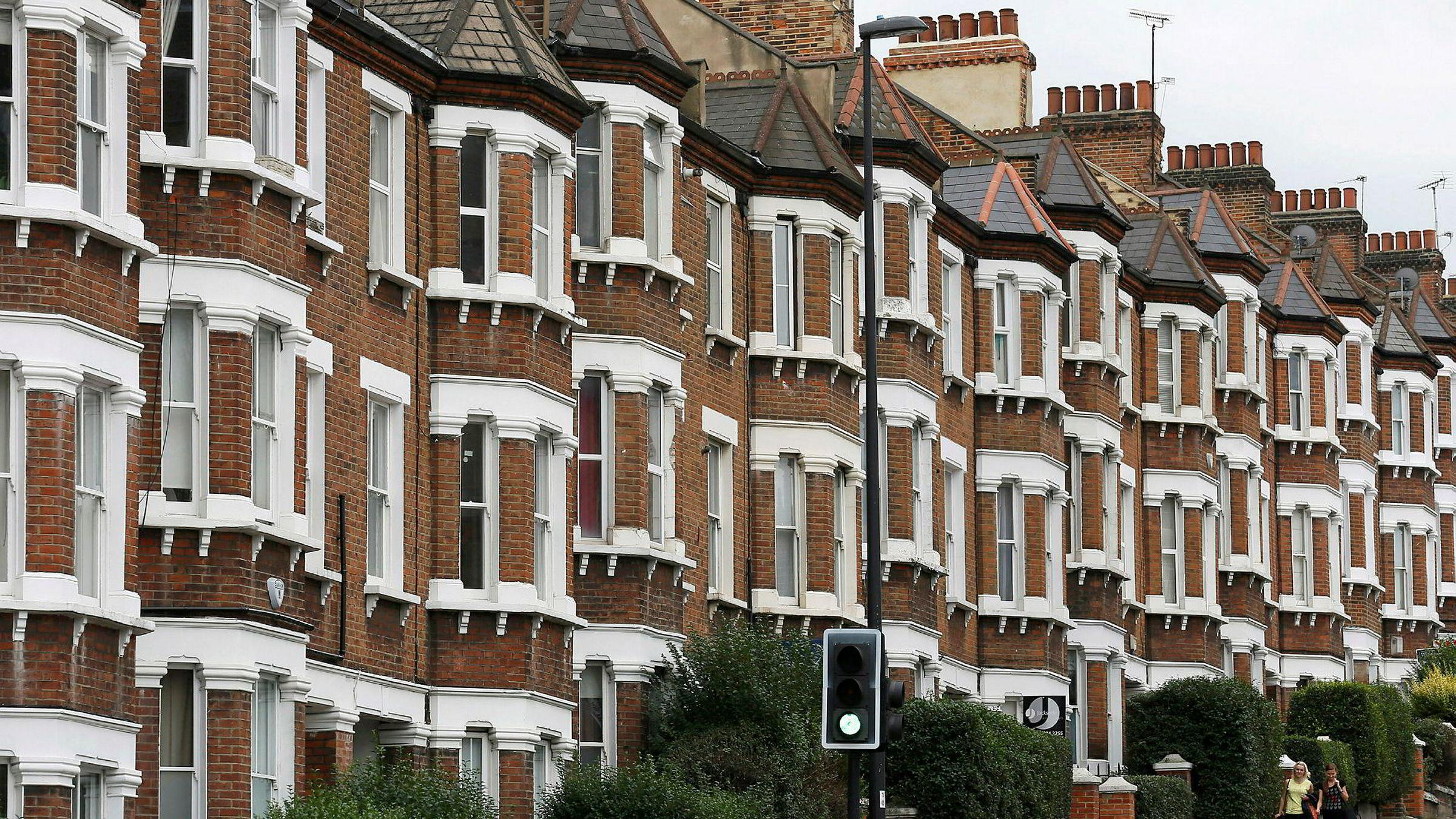 I februar ble det registrert den første årlige prisnedgangen på London-boliger på over åtte år.