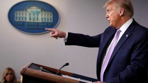 Twitter-kontoen til USAs president Donald Trumps kampanje ble nektet å legge ut nye meldinger på nettstedet frem til et innlegg, som ifølge Twitter sprer feilinformasjon om koronaviruset, slettes. Facebook fjernet tidligere onsdag et lignende innlegg signert Trump.