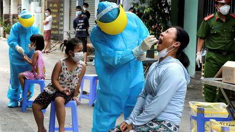 Alle innbyggerne i kystbyen Da Nang i Vietnam skal testes for koronavirus. Landet hadde ikke registrert lokal smitte på 99 dager og ingen dødsfall før det nye utbruddet.