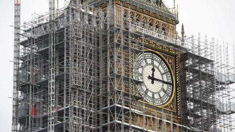 Det er også oppdaget at Big Ben var infisert av asbest og annen forurensning.