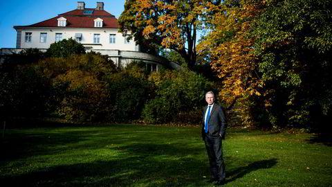 Jens Ulltveit-Moe sier nå at Umoe-hovedkvarteret i bakgrunnen likevel ikke er solgt.