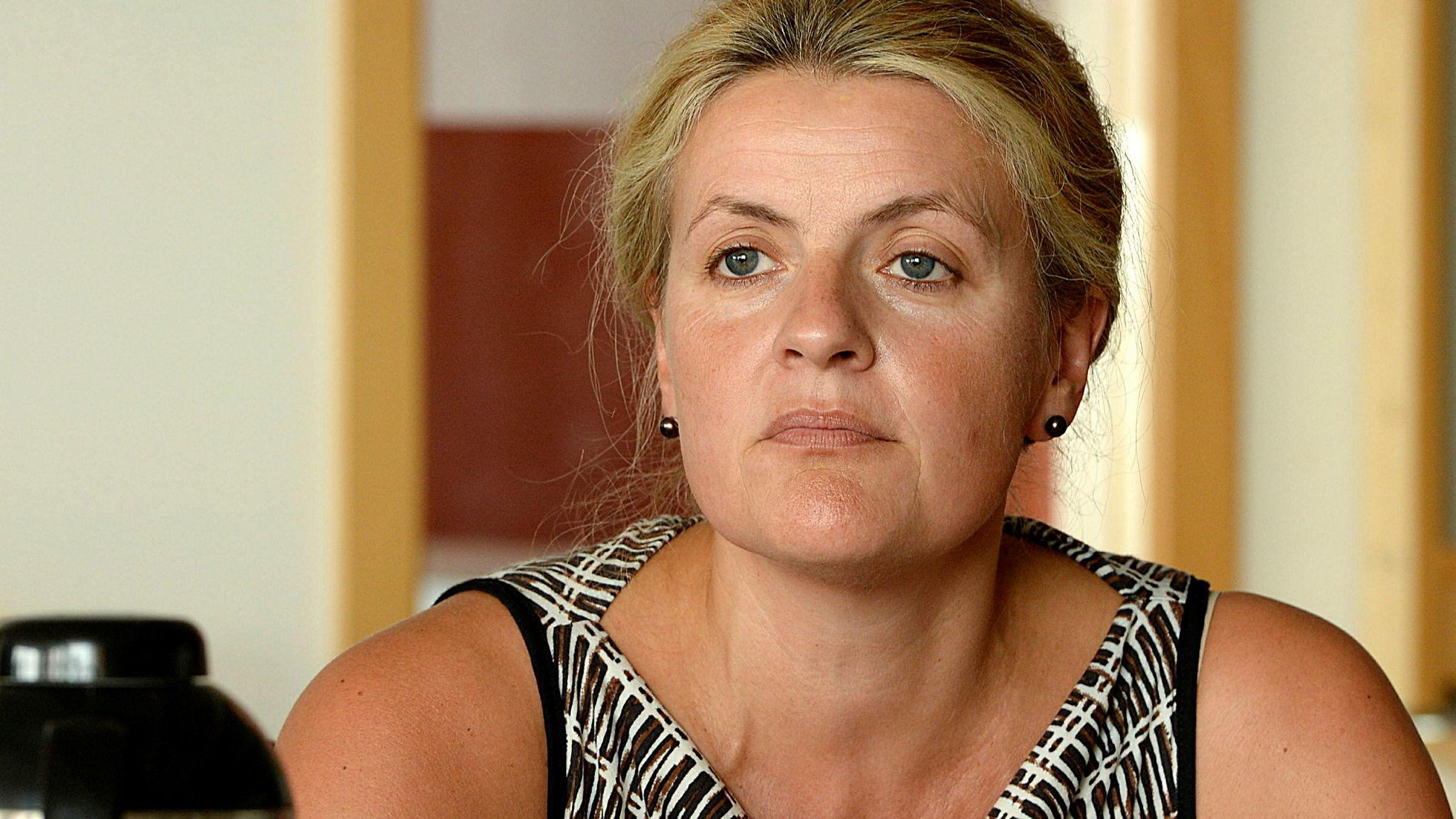 Direktør for arbeidsliv i Hovedorganisasjonen Virke, Inger Lise Blyverket, sier den norske sykelønnsordningen er for dyr, og ønsker endring.