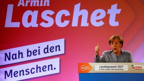 Forbundskansler Angela Merkel taler på et valgmøte rett før helgen.