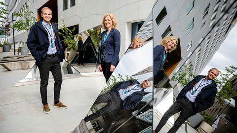 – Man har nok ikke helt sett ringvirkningene av korona ennå, sånn som vi ser det, sier DNBs Stian Fjeldstad Eriksen (til venstre) som leder avdelingen som gir lån til små og mellomstore bedrifter. Her utenfor hovedkontoret i Bjørvika i Oslo med Gro Synnøve Røthe som er seksjonsleder i avdelingen for spesialengasjement i «Technology and Services» i DNB.