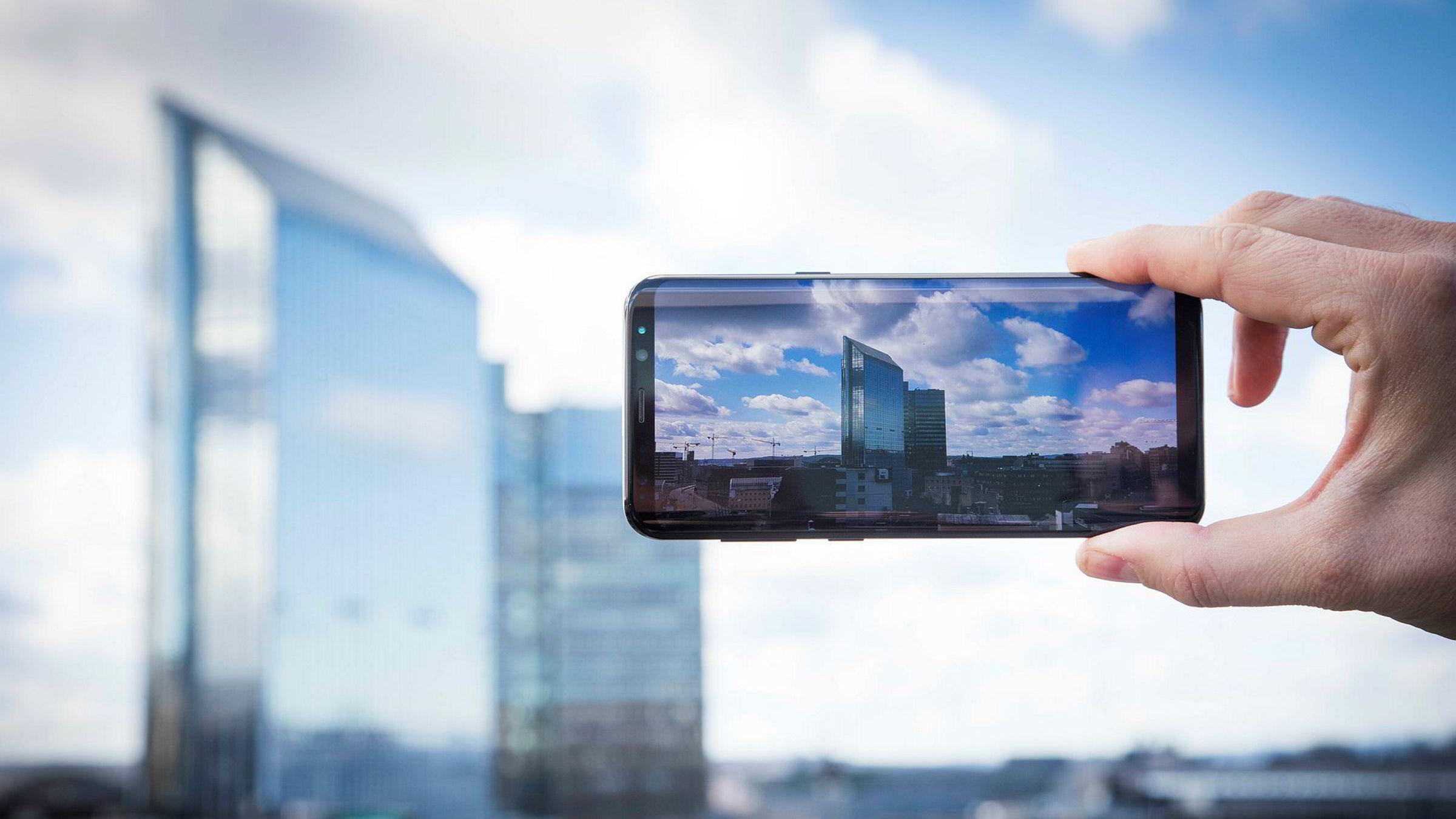 Den store skjermen på Galaxy S8+ er helt klart et viktig fortrinn og er steg i riktig retning for designen av smarttelefoner.