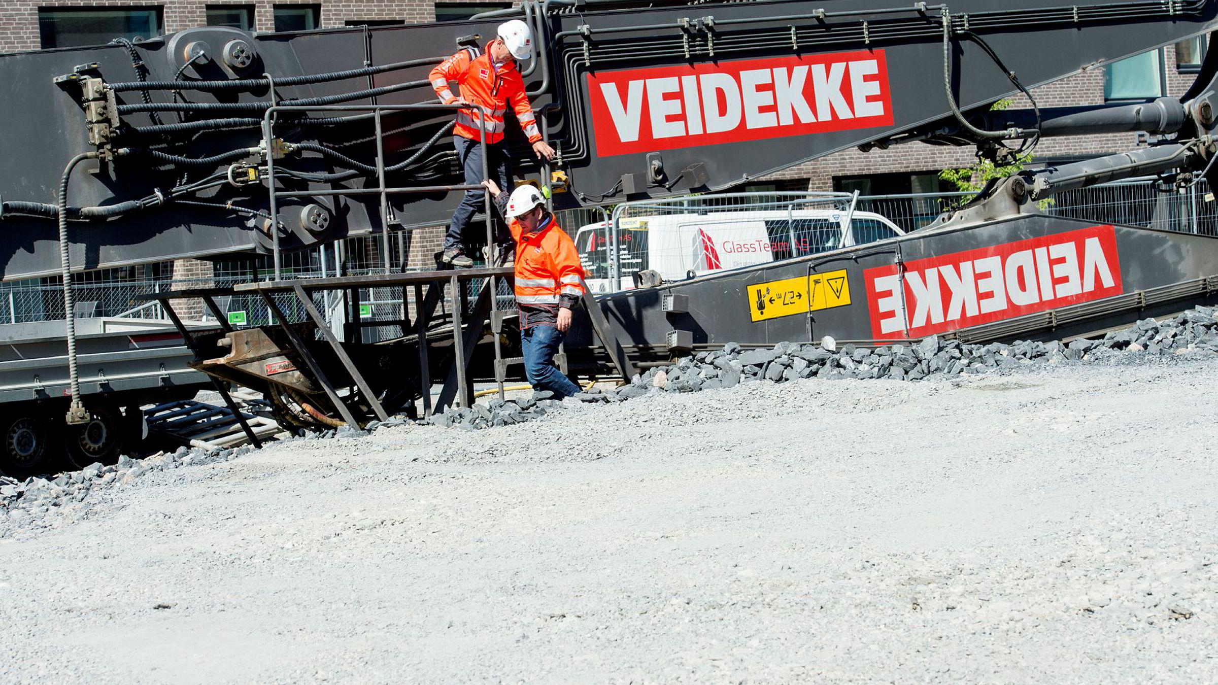 – Her har vi har solgt 114 boliger for nesten 600 millioner, sier administrerende direktør Øyvind Moen (øverst) i Veidekke Eiendom. Her med Audun Blegen, direktør for strategi og forretningsutvikling i selskapet.