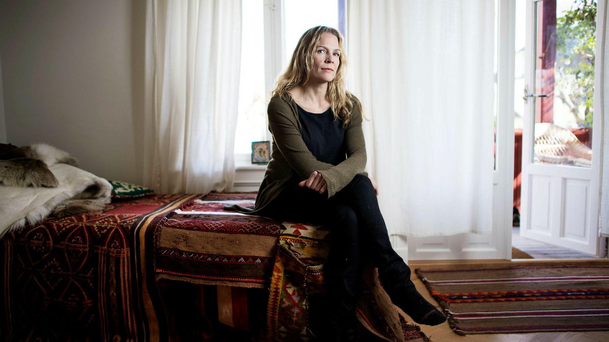 Forfatter og journalist Åsne Seierstad vurderer å skrive bok om Trond Giske og Arbeiderpartiet.